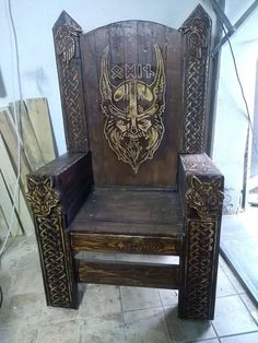 RockWood's first- Pallet Wood Carved Viking / Odin Chef Seat - Pallet Furniture Project Diy Pallet Projects, Furniture Projects, Wood Furniture, Wood Projects, Woodworking Projects, Pallet Ideas, King Chair, Throne Chair, Vikings