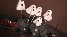 Jusssst in time for #Halloween, have fun making a fright with these Terror-licious #Cake Pops!! - Olive Oils from Spain