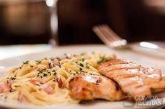 Espaguete com cream cheese - Comida e Receitas Meals, Chicken, Desserts, Food, Cream Cheeses, Philadelphia, Drinks, Spaghetti Recipes, Yummy Recipes