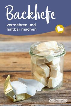 Hefe vermehren und haltbar machen auf Vorrat – so geht's If the yeast becomes scarce and replenishment is difficult to obtain, existing yeast can be increased. You'll never run out of yeast with these tips. Healthy Eating Tips, Healthy Nutrition, Bread Recipes, Cooking Recipes, Vegetable Drinks, Cooking With Kids, Food Videos, Bakery, Easy Meals