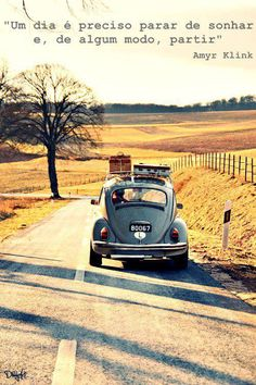 Traveling down the road - VW Beetle - Volkswagen Kdf Wagen, Vw Vintage, Vintage Luggage, Vintage Suitcases, Vintage Vibes, Vw T1, Jolie Photo, Vw Beetles, Adventure Is Out There