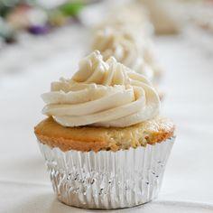 vanilla bean cupcakes (big batch - 48 cupcakes)