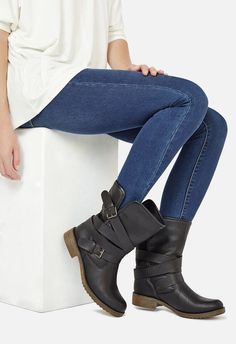 Nereida Shoes in Grey - Get great deals at JustFab