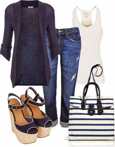 Amamos a combinação de sandálias anabela, cardigan e bolsa listrada #navy #navystyle