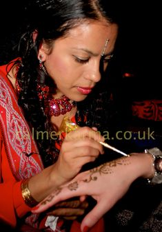 Henna tattoos and glitter henna for parties and corporate events; Uv Tattoo, Henna Tattoos, Tribal Tattoos, Glitter Henna, Glitter Girl, Traditional Henna, Promotion Party, Corporate Entertainment