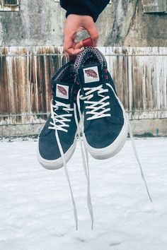 Cold days trekking through the snow call for warm, comfy shoes. Pump up your winter wardrobe in the All-Weather Vans Sk8-Hi MTE in Parisian Night/Blanc De Blanc. Shop these and more winter-ready sneakers at vans.com.
