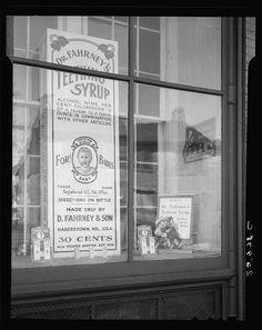 Patent medicine shop. Hagerstown, Maryland, 1937