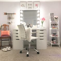 Vanity room/ beauty room DIY mirror