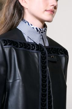 Hermès Pre-Fall 2019 - Fashion Shows Catwalk Footwear, Hermes, Vogue, Models, Leather Design, Leather Fashion, Fashion Show, Leather Jacket, Beauty