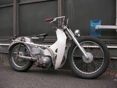 CT110 Rat Rodder Garage521 - mini4temps.fr