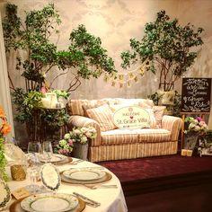 「邸宅内にあるフォトブース^_^ 今回のテーマは「箱庭の二人」 パーティー中は新郎新婦がゲストに囲まれて会話を楽しみながら写真を撮ってます(^o^)…