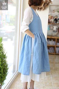 쏘잉별 시원한 인기 앞치마 오늘 같은날은 반팔입고 다니는 분들도 있었죠? 그러고보면 벌써 4월의 중반 예... Lovely Dresses, Trendy Dresses, Sewing Clothes, Diy Clothes, Retro Apron, Dresses For Less, Daily Dress, Apron Dress, Linen Tunic