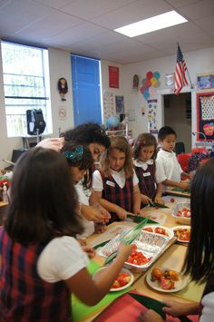 Learning all about tomatoes in the LA Pilot of our 'Learn Your Fruits and Vegetables' program.