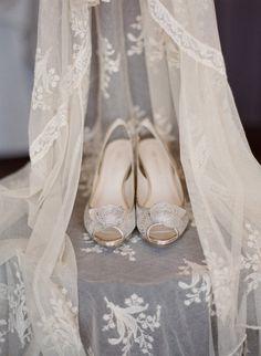 a vintage veil and sparkling Anne Klein shoes  Photography By / carmensantorellistudio.com