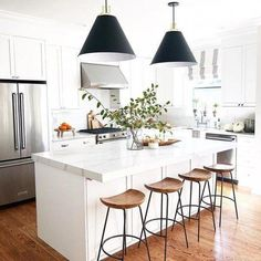 modern kitchen room are readily available on our internet site. Take a look and you wont be sorry you did. Classic Kitchen, Farmhouse Style Kitchen, Modern Farmhouse Kitchens, Home Decor Kitchen, Kitchen Furniture, New Kitchen, Home Kitchens, Kitchen Ideas, Kitchen Designs