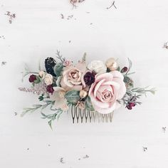 Wedding Flower Hair comb, Blush gold Bridal hair comb, Winter Wedding hair piece Beautiful hair comb made with blush, burgundy flowers and dusty greenery, gold berries and pine cone. Cheap Wedding Flowers, Wedding Hair Flowers, Hair Comb Wedding, Wedding Hair Pieces, Bridal Flowers, Flowers In Hair, Blush Flowers, Winter Wedding Hair, Winter Weddings