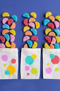 PRETTY PARTY SUPPLIES: Cute polka dot favor bags. Loved by confettiandbliss.com