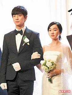 朱智勳(左)在新劇《假面》扮富二代,迎娶秀愛假扮的老婆。