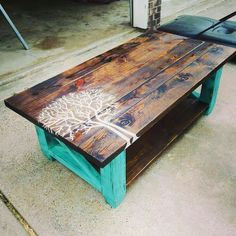 I love this coffee table!