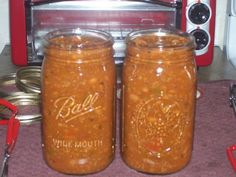 Canned chili.  Why has it never occurred to me to can my really awesome chili? I'm going to start canning everything.  So tired of running to stores!