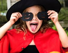 Popular Childrens Halloween Costumes are flying off the shelf and for good reason. Have a look at these adorable costumes just in time for Halloween night. Childrens Halloween Costumes, Last Minute Halloween Costumes, Halloween Night, Diy Costumes, Halloween Kids, Halloween Crafts, Happy Halloween, Halloween Party, Halloween Celebration