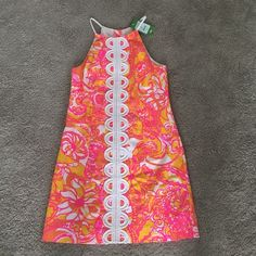 Lilly Pulitzer Sea and Be Seen Annabelle Shift Seashell, fish, flowers with white detailing shift dress with high neckline. Worn once with tags still on. Lilly Pulitzer Dresses Mini