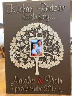 Oprócz pięknych i wzruszających słów podarujcie im prezent prosto z serca. Jeśli szukasz wyjątkowych, oryginalnych podziękowań dla rodziców, to nasza propozycja powinna Ci się spodobać Wedding Decorations, Weeding, Frame, Diy, Home Decor, Picture Frame, Grass, Decoration Home, Weed Control