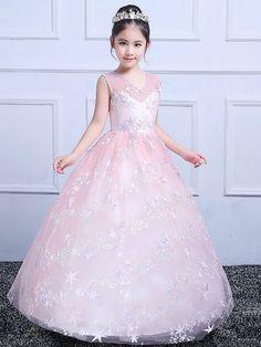 Gowns For Girls, Girls Dress Up, Frocks For Girls, Baby Dress, Cute Little Girl Dresses, Flower Girl Dresses, Girls Designer Dresses, Mother Daughter Fashion, Dress Anak