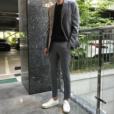 Best Mens Fashion Magazine MensFashionHenley Refferal 6820241104 is part of Korean fashion men - Asian Men Fashion, Best Mens Fashion, Suit Fashion, Fashion Outfits, Latex Fashion, 80s Fashion, Fashion News, Casual Suit, Casual Outfits