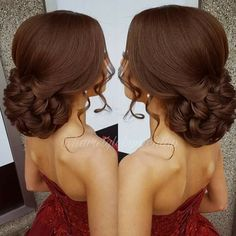 I love this brown hair color and hairstyle Penteados. Quince Hairstyles, Hairstyles With Bangs, Braided Hairstyles, Hairstyles 2018, African Hairstyles, Medium Hair Styles, Curly Hair Styles, Natural Hair Styles, Quinceanera Hairstyles