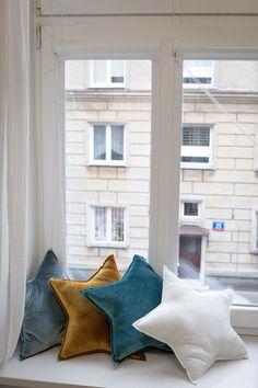 Stars cushion. Winter mood in Studio Mofflo. Colors of Numero 74.