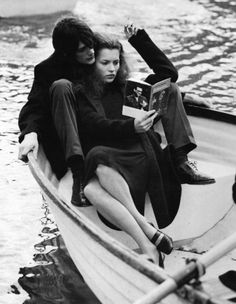 Kate Moss reads