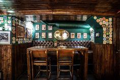 Rock 'N' Roll PUB - The weekend never ends here. Irish Pub Interior, Irish Pub Decor, English Interior, Pub Design, Bar Interior Design, Interior Decorating, Bar Design Awards, Pub Bar, Bar Lounge