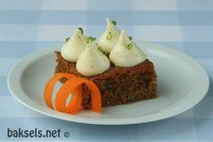 baksels.net | Worteltaart met vanille-limoen crème http://www.baksels.net/post/2014/10/16/Worteltaart.aspx