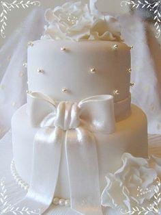 Exquisite All White Wedding Cakes | Weddingomania - cute size for a wedding shower