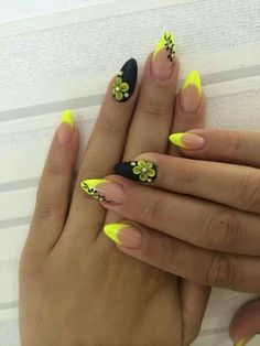 45 Yellow Nail Art Designs - nenuno creative Matte Black and Yellow Themed Nails. Matte nail colors are so in fashion. So just cover your nails with the simple matte colors or go with the nail arts adding elements just like the one in the picture above. Matte Nail Colors, Matte Nails, Acrylic Nails, Stiletto Nails, Coffin Nails, Nail Art Designs, Acrylic Nail Designs, Nail Art Jaune, Uñas Color Neon