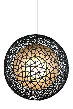 Round pendant made of woven wire, in three sizes