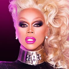 RuPaul is one of my favorite drag queen that taught me that wearing good makeup can make a difference in your life! Drag Queen Makeup, Drag Makeup, Makeup Eyes, Drag Queens, Rupaul Drag Queen, Drag King, I Am A Queen, Amazing Women, Halloween Face Makeup