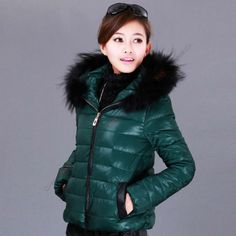 European style down jacket female models in Europe stand Ms. Short thick skull oversized fur collar down jacket wholesale - http://offerier.com/?p=709