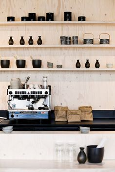 Display cups, teapots, clay + porcelain, coffee machine and tea stuff