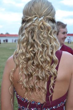 Homecoming/prom hair