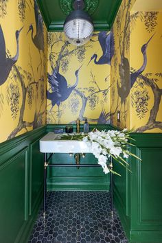 Check out this dramatic yellow and green chinoiserie powder room with console sink and black marble tile. Brass Bathroom Faucets, Boho Bathroom, Downstairs Bathroom, Normal Wallpaper, Bold Wallpaper, Powder Room Wallpaper, E Design, Flat Design, Design Elements