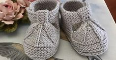 jnts Baby Booties Knitting Pattern, Knit Baby Booties, Baby Knitting Patterns, Crochet Patterns, Crochet For Kids, Crochet Baby, Knit Crochet, Baby Barn, Bebe Baby