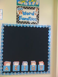First Grade Glitter and Giggles: Word Family Board She creates a blank card for every word family they'll work on during the year and they go in the pockets. As they do them as a class, they write the words and staple them up on the board! Primary Classroom, School Classroom, Classroom Ideas, Primary School, Education And Literacy, Early Literacy, Literacy Centers, Word Study, Word Work