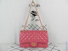 Сумка Chanel (Шанель) из натуральной кожи модель Classic Flap Bag ярко-розового цвета