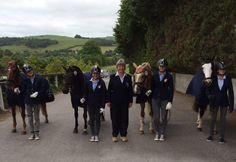 PRONTE… VIA! Le azzurrine del dressage pony sono pronte a difendere i colori dell'Italia ai campionati europei in scena a Millstreet in Irlanda.  Tutto protette da KEP Italia!