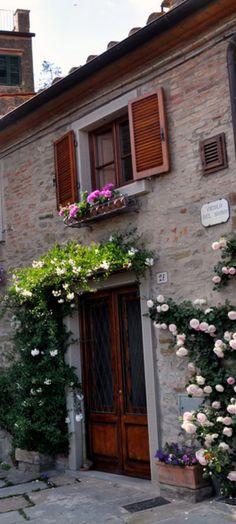 A quiet corner of Cortona, Italy