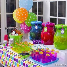 A self-serve beverage station looks pretty & makes a big grad party a piece of cake!