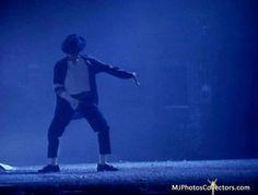 Michael Jackson - Panther dance scene