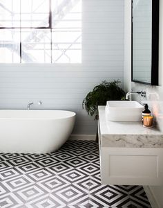 Patterned Flooring - Modern Bathtub - Bathroom Design - Black White - Mosaic Tile